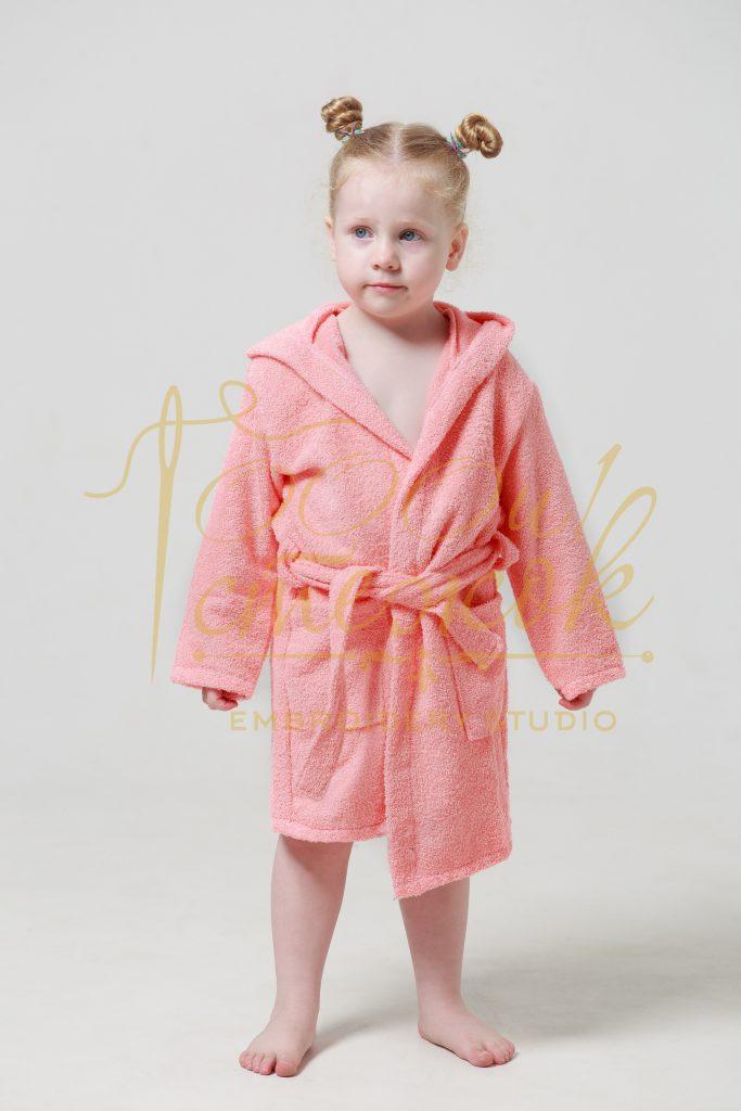 Детский халат с капюшоном категории «Стандарт» с именной вышивкой (Коралл)